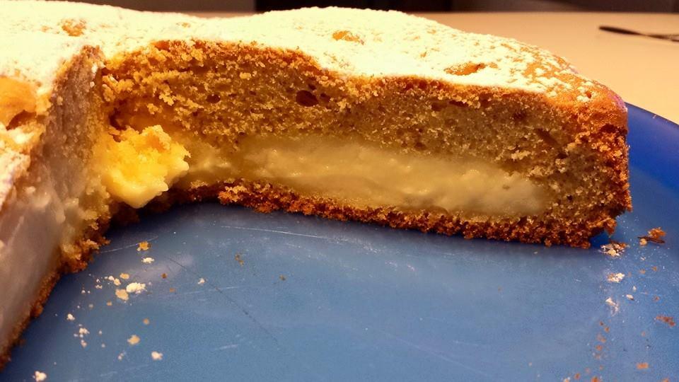 torta morbida alla crema di limone interno