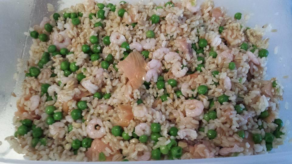 riso orzo gamberetti salmone e piselli